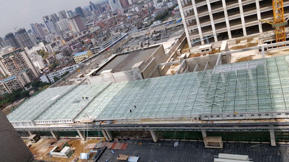 结构 采光顶总面积为3600平方米